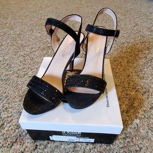 Black formal heel size 7 by DeBlossom Collection